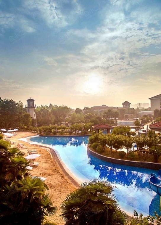 上海东方佘山索菲特大酒店外观/俯瞰
