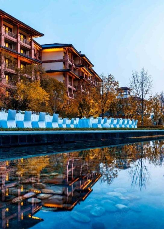北京海湾半山温泉酒店外观/俯瞰