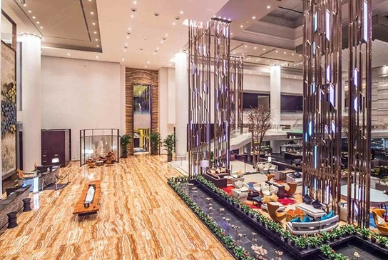 成都温江皇冠假日酒店大堂