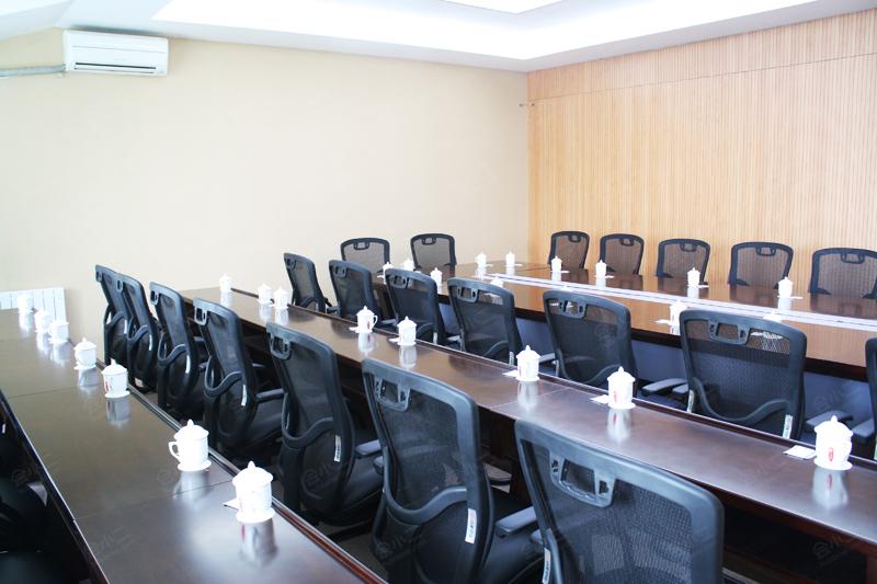 u型 董事会 鱼骨式 岛屿式 50 - - - - - - - - 查看档期 c1会议室