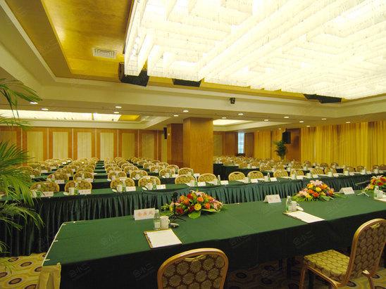 成都瑞城名人酒店会议室,会议酒店预定,会小二:400