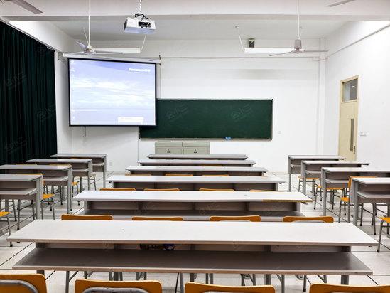 教室电路图两个开关8个灯