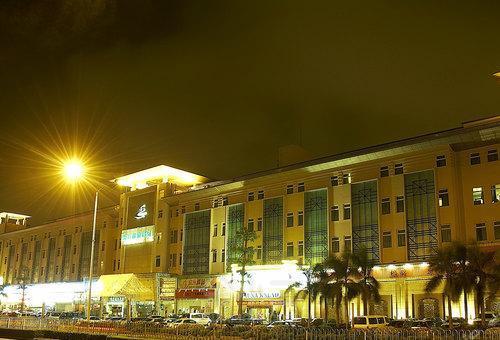 深圳 深圳东方山水酒店    东方山水酒店位于深圳市南山区,是一家设计