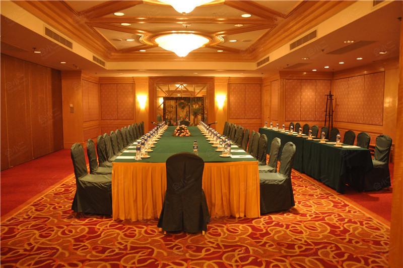 武汉香格里拉大酒店会议室,会议酒店预定,会小二:400