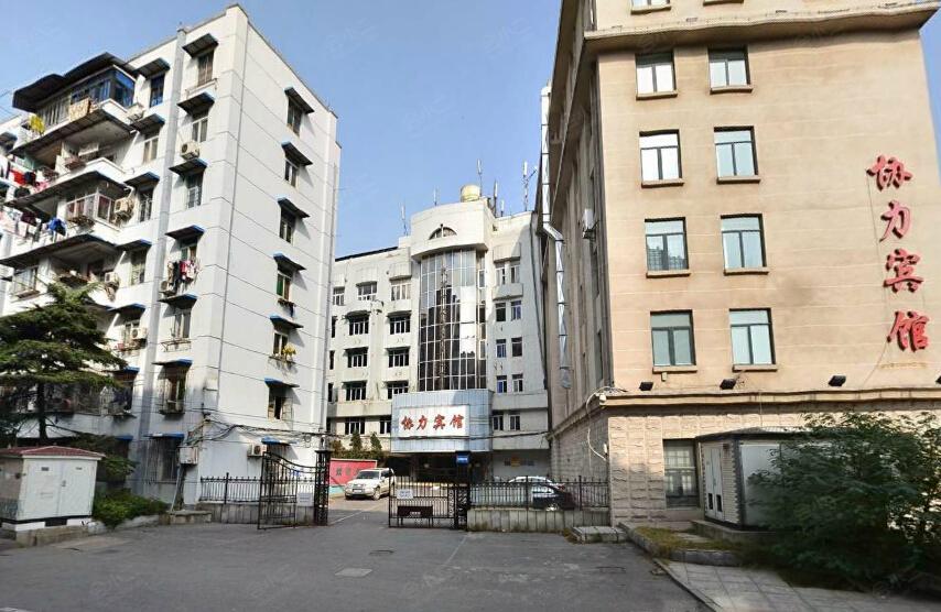 江滩公园酒吧一条街,欧式建筑一条街等武汉知名景点
