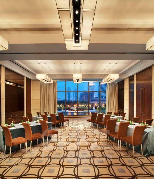 天津瑞吉金融街酒店 会议室,会议酒店预定,会小二:400
