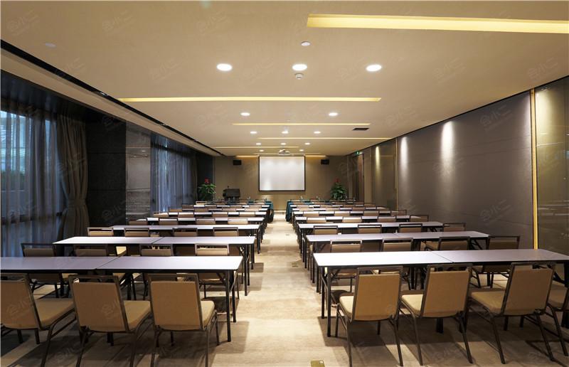 多媒体培训室8 会议室面积:  270平方米所在楼层:  -会议室层高