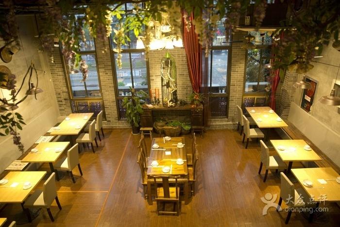 餐厅 地址: 杭州市千岛湖风景区千岛湖镇新安大街20