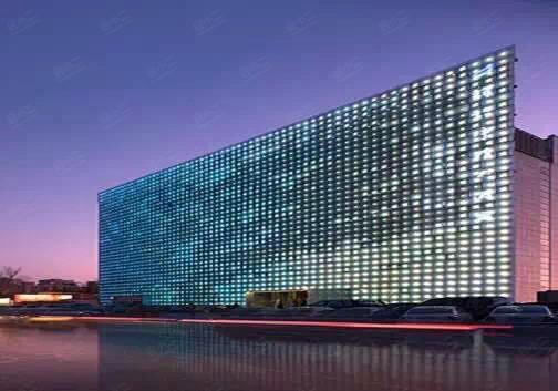 北京辉煌净雅大酒店,位于北京市海淀区西翠路19号(复兴路与西翠路交界路口),地处西三环与西四环之间,与五棵松奥林匹克中心相对;总建筑面积15000平方米,其中1-3层和7层为正餐经营区,以精美的菜品、体贴的服务、高雅的环境,全新的经营管理模式荣耀京城。4楼为阳光海岸经营区,阳光海岸传承净雅优良品质,以中式海洋美食为核心,辅以多国美食料理,食材新鲜,精心烹制,呵护您的健康。阳光海岸现点现做,独揽珍奇海味选餐与点餐相结合,各个分区涵盖了中式 日式 韩式 西式 南洋等多国风情菜品近400道,总菜品中的40%都可