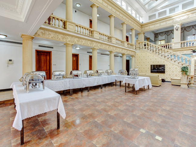 欧式皇家碧水宫殿会议大厅海鲜大咖